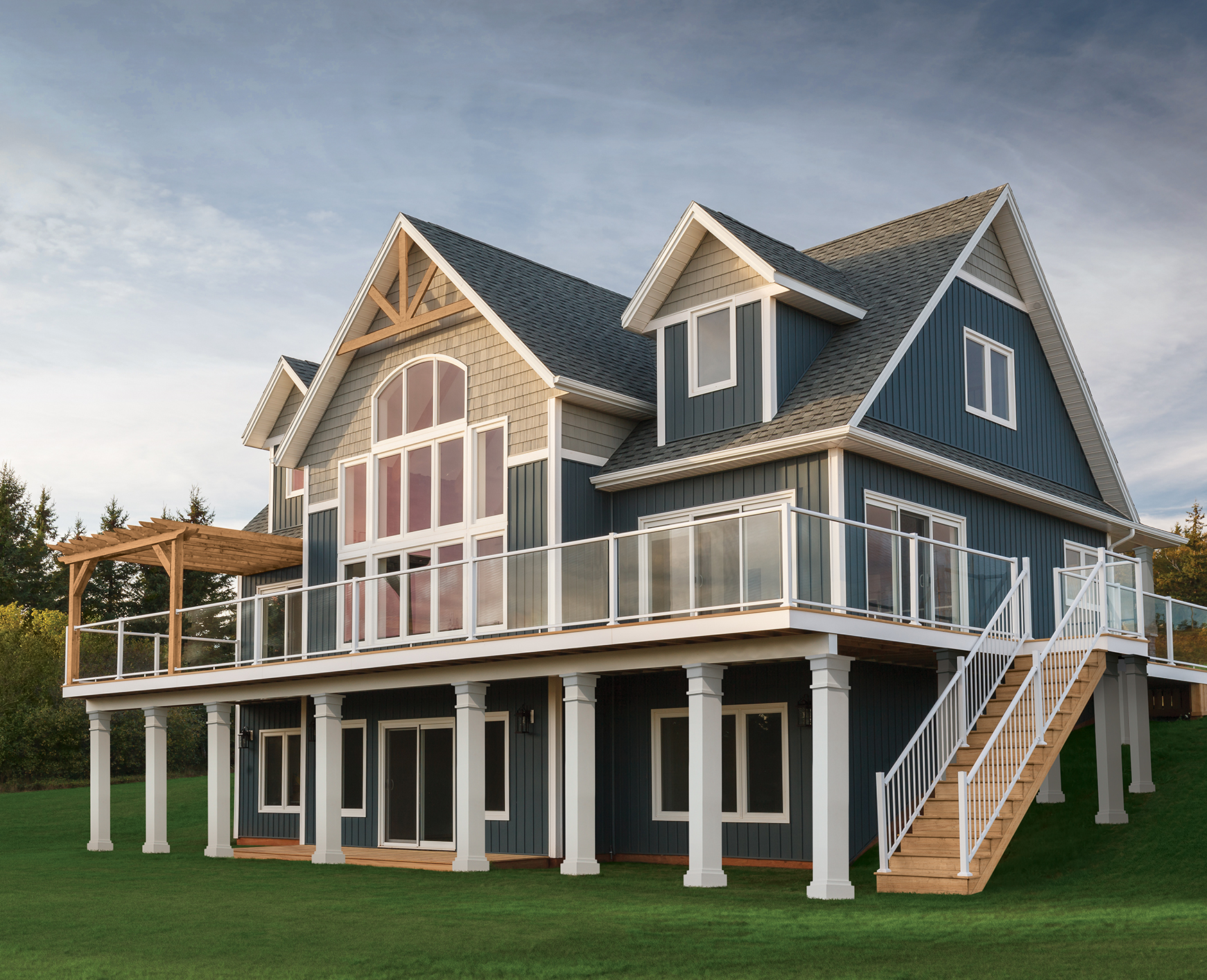 Beautiful (and Durable) Vinyl U0026 Cellular Composite Siding ...